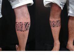 Tatuagem de maori na panturrilha