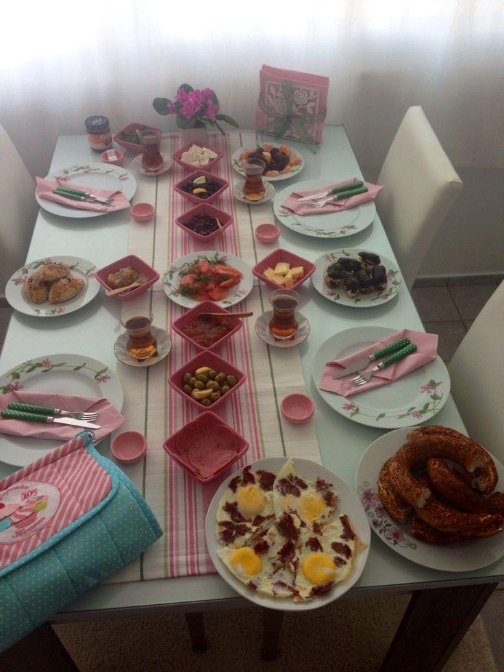Pazar günü kahvaltımız