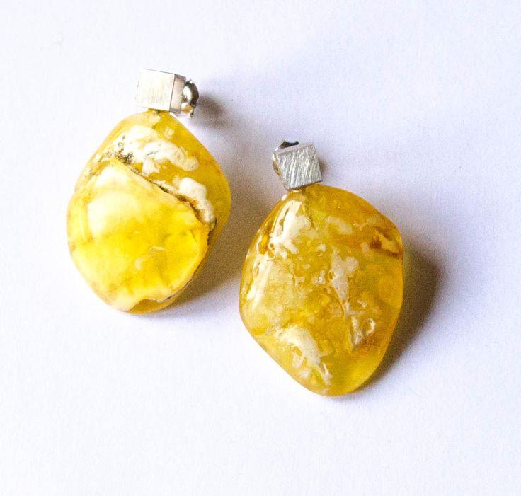 Amber  Earrings stud, Sterling Silver 925, nugget, Yellow, transzulent, Bernsteinohrringe, Silber, Bärnsten, ambre, von DiesAndDas auf Etsy