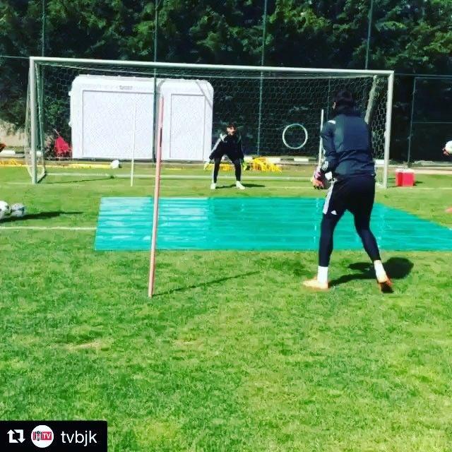 Goalkeeper drill and fun competition with goalkeeper coach #josesambade @besiktas #turkey  _______________________________________________________ #goalkeeper #torwart #keeper #målvakt #gardien #portiere #målmand #bramkarz #goleiro #portero #ผู้รักษาประตู #kaleci #golman #ゴールキーパー #kiper  #守門員 #вратарь #守门员 #vratar #arquero #soccer #football #fussball #calcio #training #besiktas #türkiye #istanbul