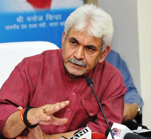 """The central government is expecting to provide broadband services to one lakh gram panchayats by end of this year, Communications Minister Manoj Sinha said here on Friday. The government has planned the BharatNet project to provide 100 Mbps broadband connectivity to approximately 2.5 lakh gram panchayats in the country. """"Under first phase of the project, … Continue reading """"Broadband Connectivity In 1 lakh Gram Panchayats By Year End: Union Minister"""""""