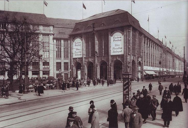 Wertheim department store, Leipziger Platz, Berlin, in the 1920s