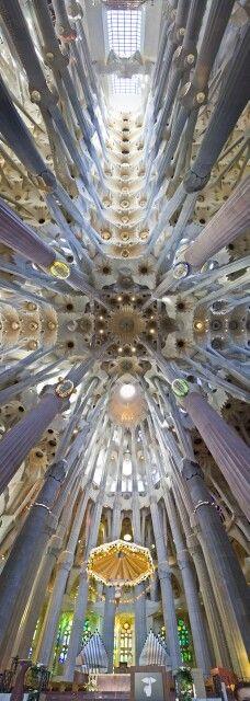 La mejor obra jamas creada por el hombre - La Sagrada Familia de #Gaudí