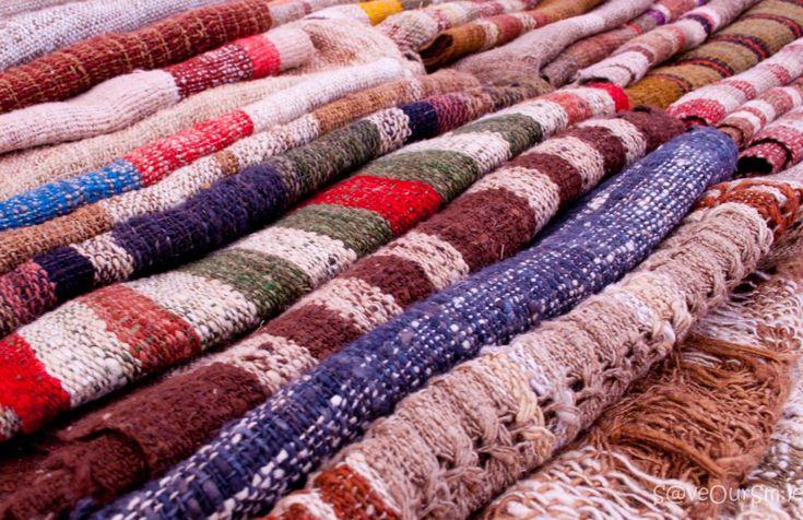 Découvrez la signification de la soie grège définition de ce tissu de soie produit par les ver à soie en Asie, en Chine en Thaïlande que signifie le mot.,