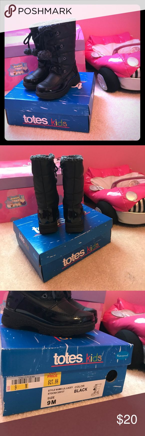 Toddler snow boots Worn once totes Shoes Rain & Snow Boots