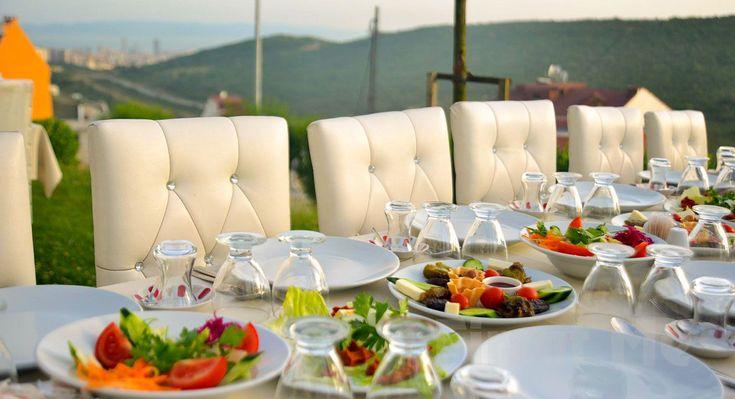Aydos Ormanları'nın Yanıbaşında, Bervaze Ortadağ Restaurant'ta Bol Oksijenli Kahvaltı Keyfi! Aydos Ormanları'nın hemen yanıbaşında, muhteşem doğa ve İstanbul manzarası eşliğinde Bervaze'de, birbirinden lezzetli tatlarla Kahvaltı Fırsatı Sizleri Bekliyor!