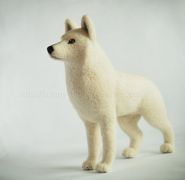 white wolf by -trinny-, via Flickr, if u go to this artist page you will see some of the best needle felted items I have ever seen. She has the best needle felt dachshund I've seen ever and many cute characters,dogs, cats, and some much more. I was in amazement looking at how smooth her finish is and the detail. If you needle felt u will understand what I mean. Wow!!!!