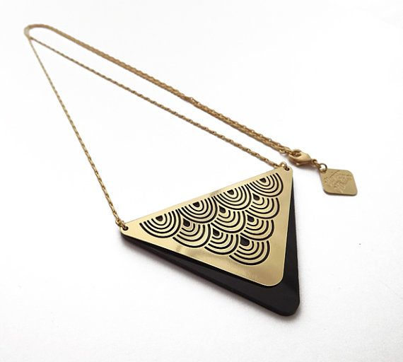Hey, I found this really awesome Etsy listing at https://www.etsy.com/il-en/listing/115050067/little-wave-gold-necklace