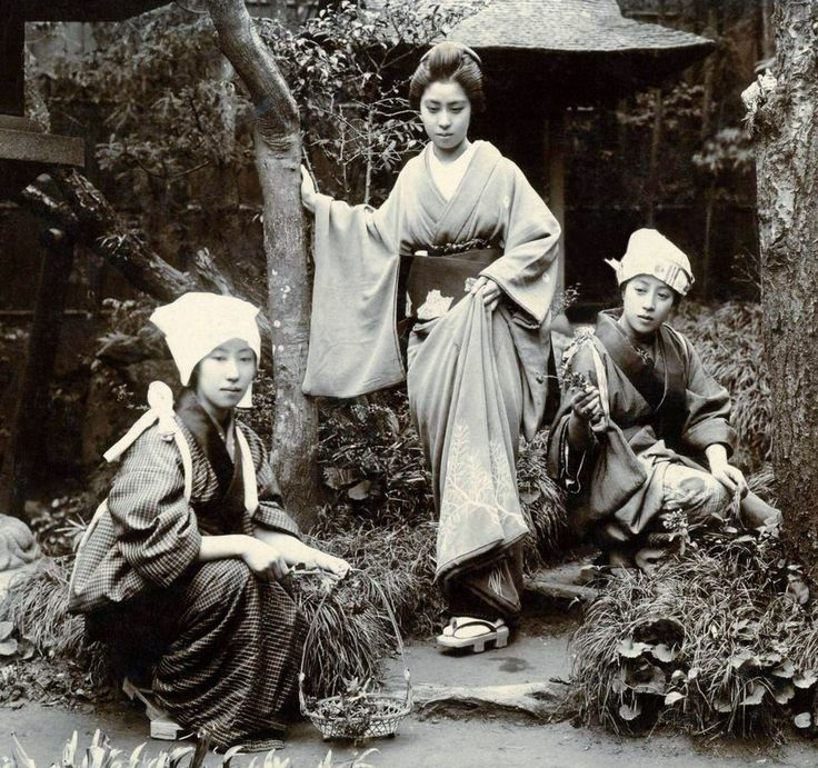 Informal portrait of three woung women. About 1890's Japan. Photographer Kazumasa Ogawa.