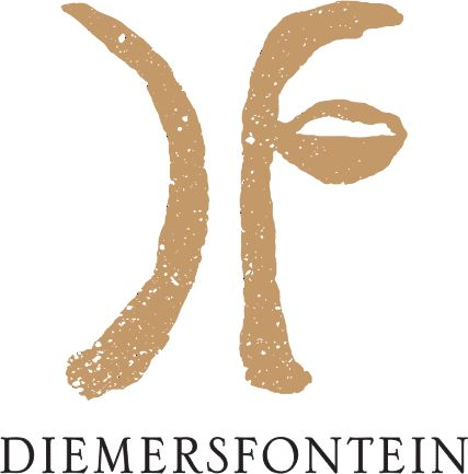 Seasons Restaurant at Diemersfontein offers fresh local cuisine, paired with our fine wines. Set amongst some of the most beautiful scenery in the Cape Winelands. The view is simply to die for! Whi…