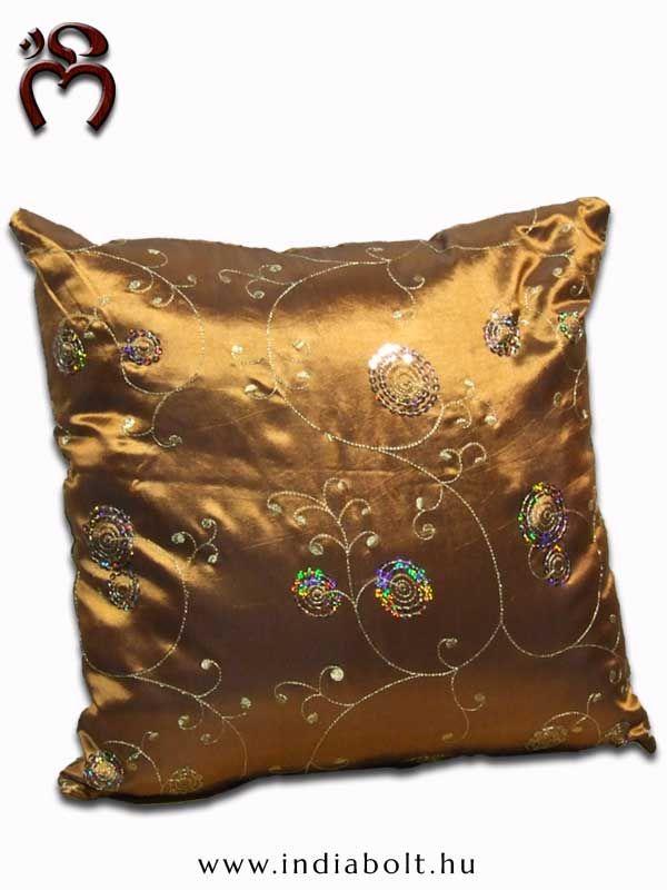 ॐ NAMASTE ॐ #Tradicionális virágmintákkal hímzett #indiai selyempárna, flitterekkel #díszített gyönyörű kézi munka.-exotic indian pillow- www.indiabolt.hu #ॐ #indiai #ajándékbolt #egzotikus
