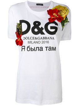 футболка с цветами и логотипом