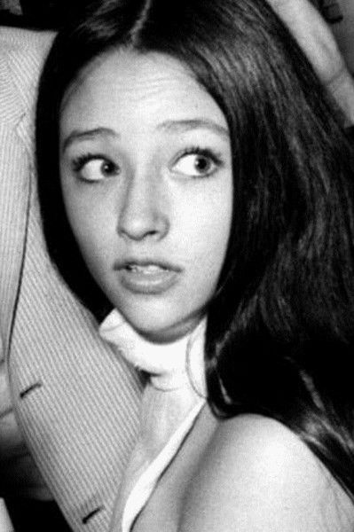 Olivia Hussey   Olivia Hussey Picture #17557246 - 399 x 600 ...