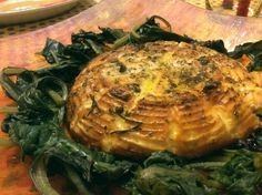 La Ricotta al forno è una ricetta salva cena, quando non si ha tempo per cucinare e non si vuol rinunciare al piacere della compagnia degli amici.