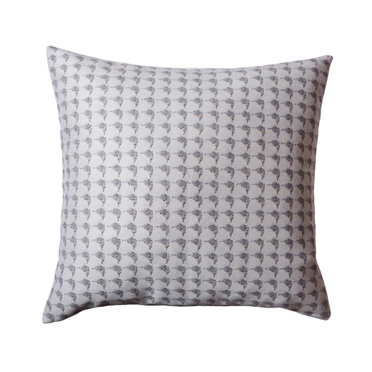 The Puffin Eye print has been used once more in the Jacquard Woven Neutral collection, this time introducing some subtle colour to its design. Hints of orange feature within the collective print, where as the reverse of the cushion is made from a luxury cream fabric.  440mm x 440mm  100% cotton twill front with luxe velvet reverse.  Concealed zip closure.  Duck feather cushion pad.  Signature dust bag included.  Made in the UK.