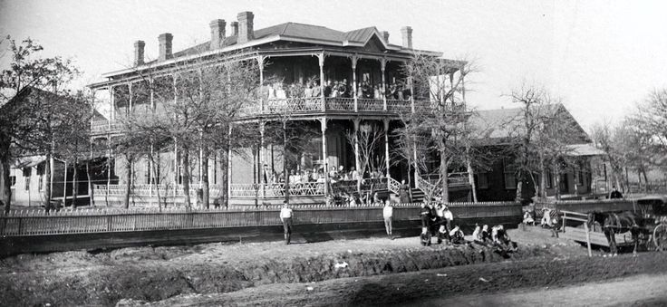 The Fort Worth Benevolent Home, on Samuels Avenue (present Arnold Park), about 1900