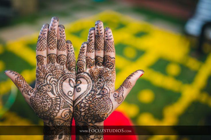 Sun TV Celebrity Wedding Photography, Best Celebrity Wedding Photographers India | Iswarya with Pranessh