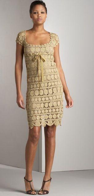 O esquema de confecção de um vestido de crochê rendas
