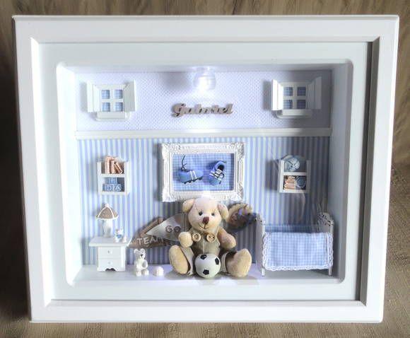 Quadro com ambiente de quarto de bebê com vidro e iluminação para decoração do quarto do bebê e enfeite de porta maternidade.  Tecidos em cores e estampas que combinem com a sua decoração.  Pode-se manter o formato do cenário e alterar o tema para outro esporte    PRODUTO ARTESANAL SUJEITO À VARI...