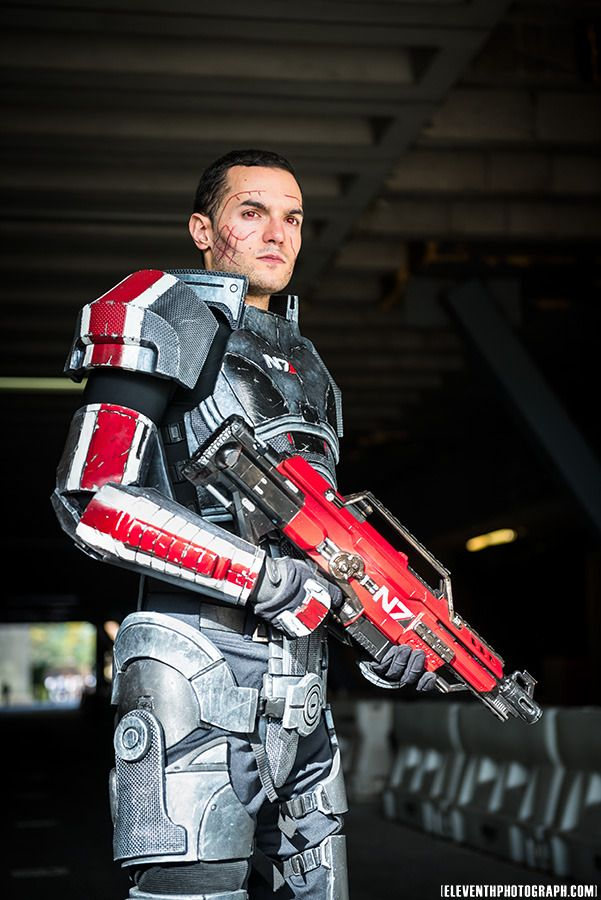 Mass Effect... Male Shepard!