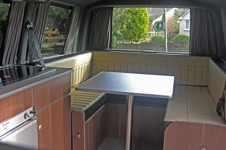 Great campervan. A sociable space and all this in a Volkswagen T5!