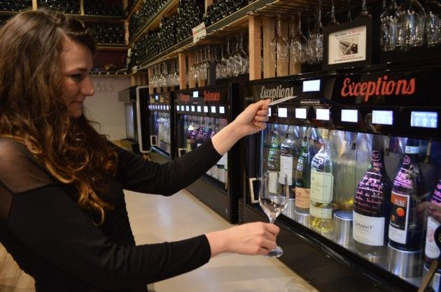 Le Wine Bar, situé rue de la Bourse, compte cinq Enomatic  N°5 Wine Bar 5 rue de la bourse, à Toulouse. Ouvert tous les jours, à partir de 18 h.  05 61 38 44 51