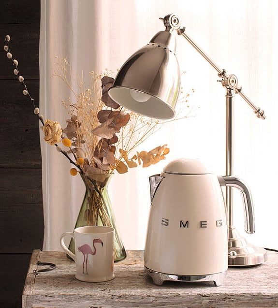 Buy Cream Smeg Kettle from our Kettles range at John Lewis & Partners. Desk Lamp, Table Lamp, Heating Element, Small Appliances, Retro Fashion, Traditional, Retro Chic, Retro Style, Curves