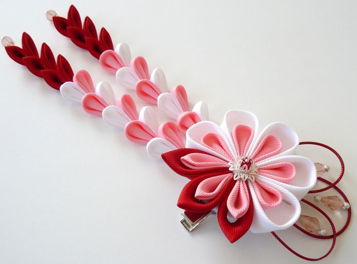 Kanzashi Flower hair clip with falls. Red pink white fabric flower. Red pink white kanzashi. Red pink Japanese hair piece. Geishas clip by JuLVa on Etsy