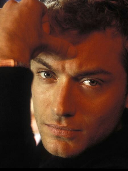 I honestly don't know how he can get more perfect... I loved Jude Law's acting but I fell in LOVE with Jude (Hard) after seeing him in 'The Holiday' & I can't even count how many times I've watched that movie & it was just great to see him being so charming, vulnerable & Sexy!