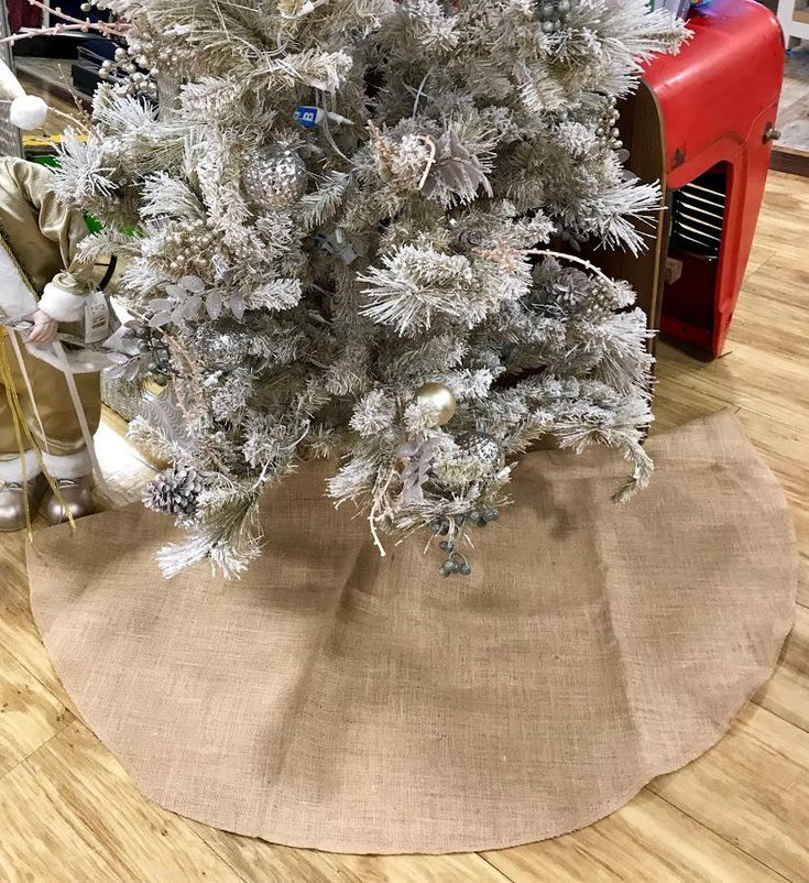 Burlap Christmas tree skirt, Christmas tree skirt, burlap, Christmas decor, tree skirt, burlap skirt, SALE, 60 inches, 48 inches, home decor by FantasyFabricDesigns on Etsy
