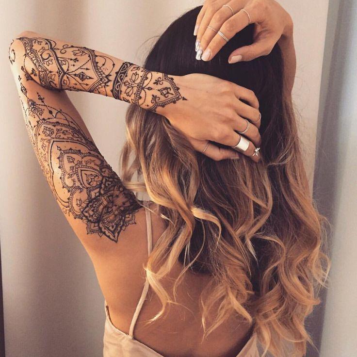 """⠀⠀⠀⠀⠀⠀⠀⠀⠀⠀⠀⠀⠀⠀ALISA ILIEVA on Instagram: """"Это фантастически #красиво! А @veronicalilu невероятная: позитивная и душевная...и красивая  К ней просто хочется, чтобы нарисовать что-то снова. Что угодно. Нарисовать. Снова. #mehendi #henna #hennatattoo #veronicalilu #beauty #tattoo"""""""