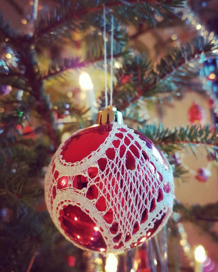 Yet another finished project, a christmas bauble, design: Sonja Andersen, Ikast.