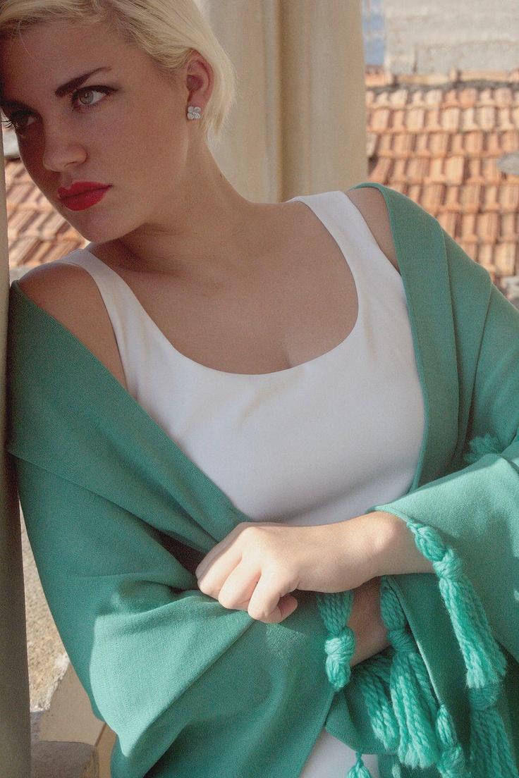 emerald wool shawl silk #shawl #marinafinzi #shop.marinafinzi.com