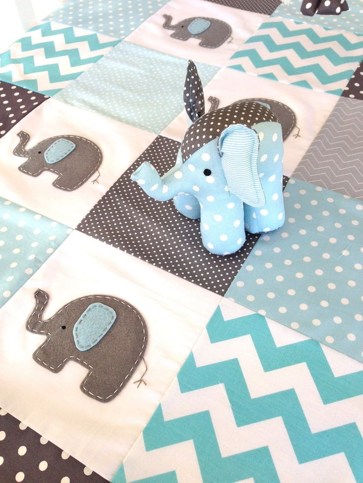 Elephant Quilt In Blue And Grey Quilting N 228 Hen F 252 R