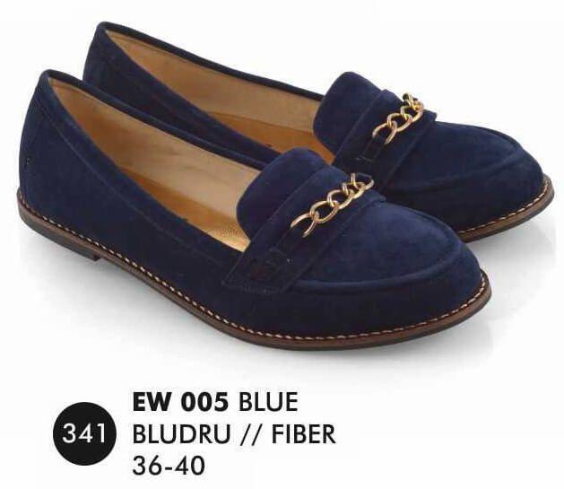 Deskripsi  Warna : Blue Ukuran yg tersedia : 36 - 40 Bahan : Bludru SOL : FIBER