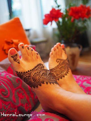 Henna on the feet