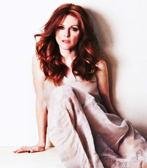freckle-rockin', red-headed dynamite. one of the finest creatures on this earth. wow. (Julianne Moore)