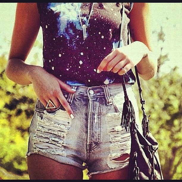 #highwaistedshorts #highwaisted #fashion #distressed #shorts #rippeddenim #ripped #levis #grafic #print #fridges #bag #necklace #ring #rings #thin #skinny #fit #legs #nailpolish #nails #tanned #tan #summer #sun  Shopping for energy efficient fridges online?Click the link... http://www.energyefficientrebate.comSummer Concerts, Fashion Style, Nails Colors, Graphics Tees, Fashion Addict, Clothing, Outfit, Bangs Bangs, Jeans Shorts