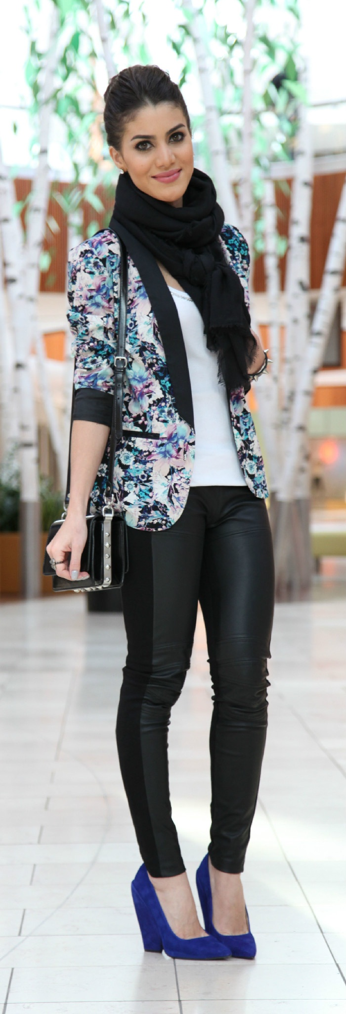 I must try this entire look.  Floral Blazer is fab!  Can't wait to wear it!