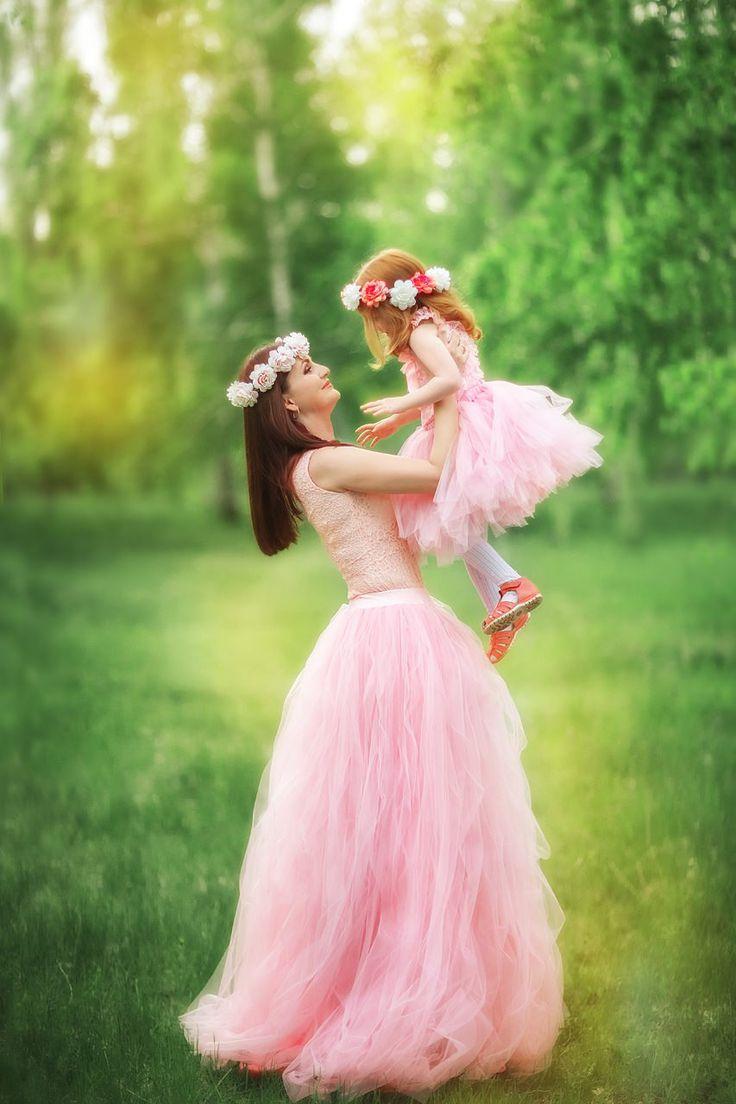цвет нежный румянец  на две юбки мама дочка ушло 12.5 м https://vk.com/wall-47962129_141405