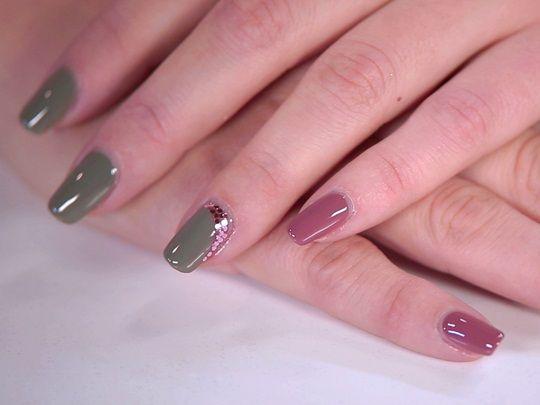 La passione sfrenata per la nail art sta conquistando le donne. Scopriamo la regina delle nail artist italiane!  http://blog.carlaferroni.it/?p=2913