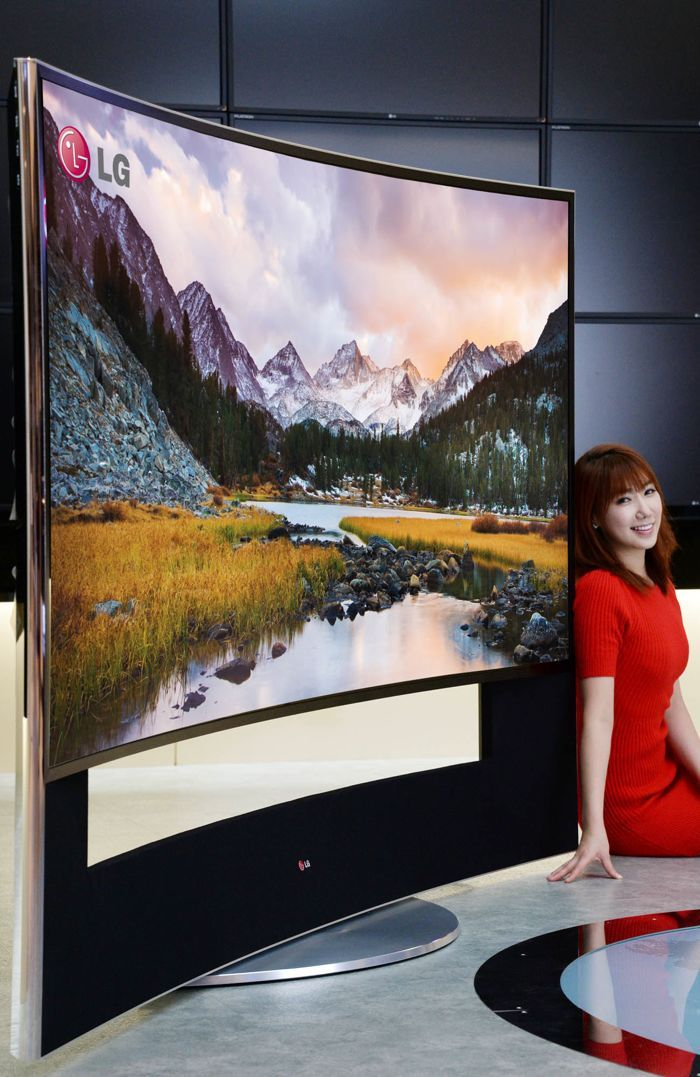 LG 105 Inch Curved Ultra HD TV To Be Shown Off At CES 2014 - The LG 105 inch curved Ultra HD TV features 11 million pixels and has a resolution of 5120 x 2160 and will have a 21:9 aspect ration. | via Geeky Gadgets