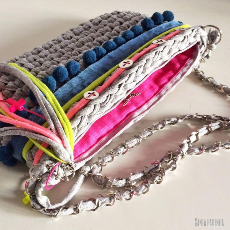 Tutorial DIY para hacer un bolso de trapillo                                                                                                                                                                                 Más