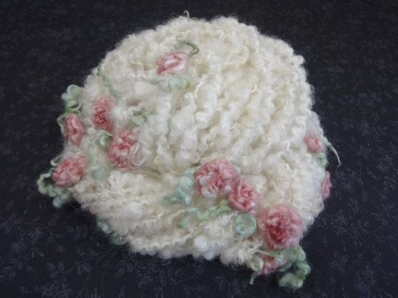 Handgeformten Kunst Garn mit gefilzt Blumen rosa von Autumnrose