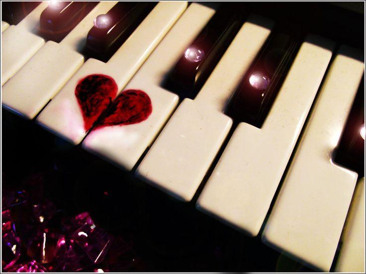 Serce zaczyna bić mi mocniej, gdy słyszę Twój głos.