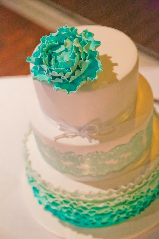 Cake Decorations Noosa : 17 Best images about Wedding cakes on Pinterest Sugar ...
