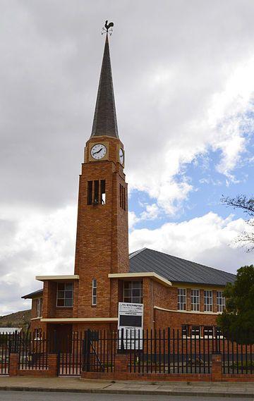 Die kerkgebou van die NG gemeente Gamkavallei is, nes dié van die gemeente se tweeling, NG gemeente Gamka-Oos, in die Neo-Bisantynse styl gebou. Die hoeksteen is op 22 Junie 1951 gelê.