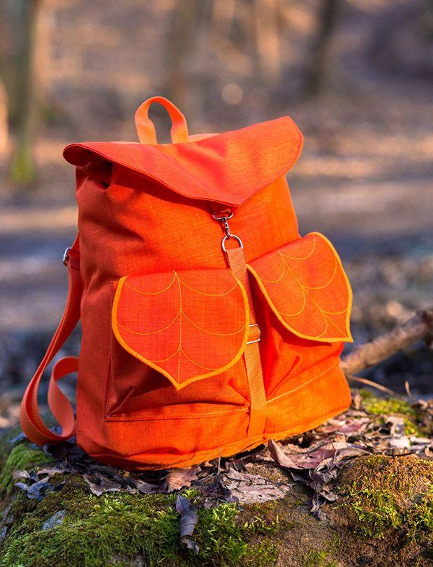 Leafling é uma marca da Hungria que busca inspiração na natureza ao produzir bolsas e mochilas em formato de folhas feitas à mão. Confira as peças!