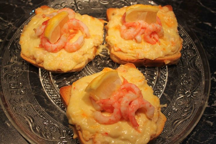 En blogg full av härliga recept på mat och fika. Älskar matlagning och bakning. Många allergivänliga recept finns också