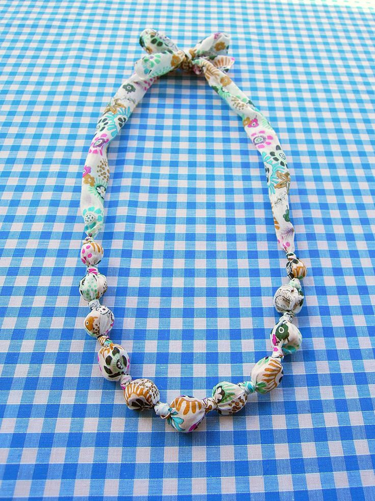 Tutorial : Fabric Beaded Necklace - works great as a teething necklace for baby!